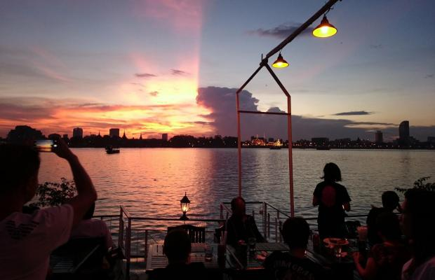 Phnom Penh Sunset Dinner Cruise on Mekong River include return transfers