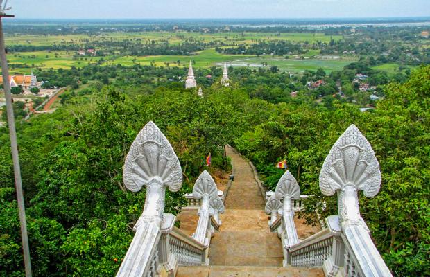 Phnom Udong Day Tour from Phnom Penh